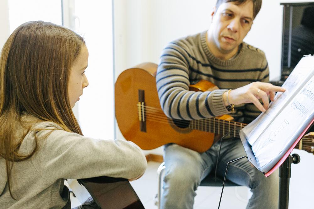 corsi-di-chitarra-classica-scuola-musicale-arsmusica-3.JPG