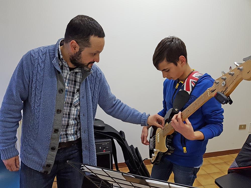 corso di basso scuola musicale ARS Musica