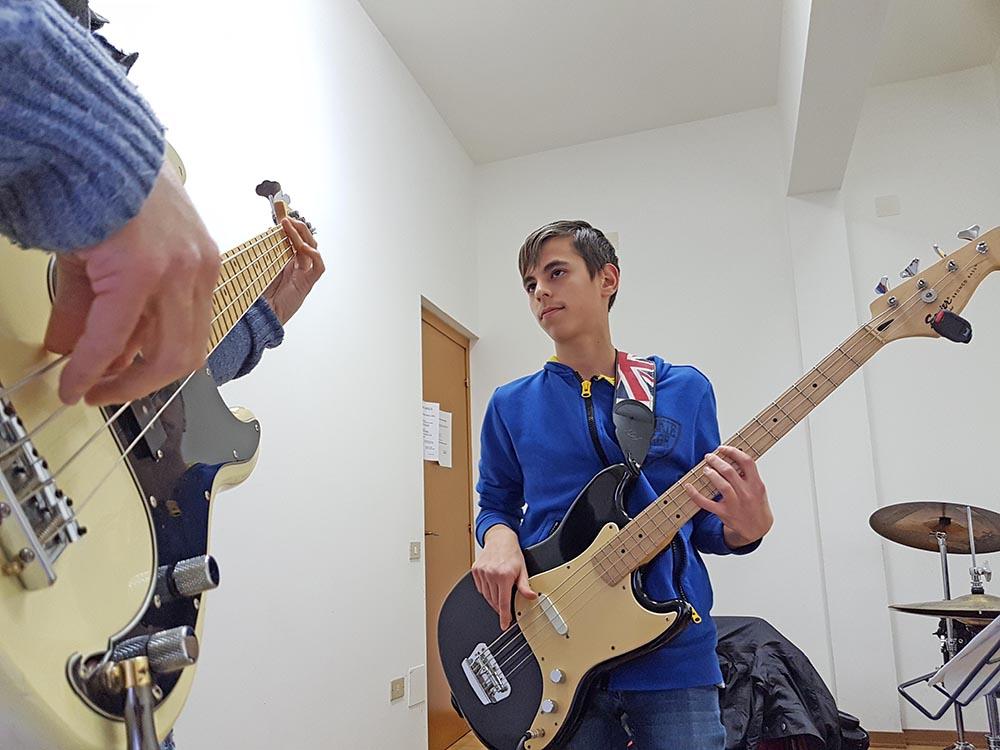 corso di basso elettrico scuola musicale ARS Musica